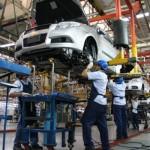 Enfrenta incertidumbre Industria Automotriz