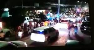 VIDEO: Al menos 19 camionetas con hombres armados presuntamente del CJNG desfilan en carnaval de Veracruz